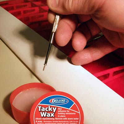 A clever temporary wax adhesive with a multitude of uses in modelling